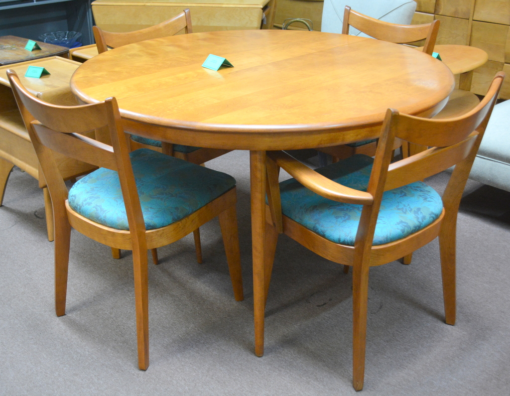 Picture. Heywood Wakefield Round Dining Table ...